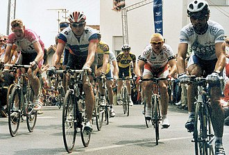 Rolf Aldag - Aldag (left) at the 2000 Rund um den Henninger Turm
