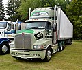 2005 Kenworth T401 (32022539314).jpg