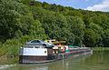 2012 août 0415 Péniche sur le canal pres de Foulain.jpg