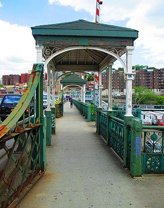 University Heights Bridge - Image: 2014 University Heights Bridge sidewalk shelters 3
