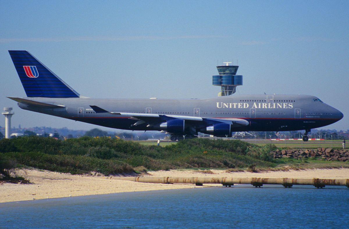 File 70cv United Airlines Boeing 747 422 N107ua Syd 04