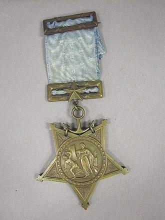 Frank Friday Fletcher - Image: 75 66 A Medal of Honor, USN, Type IV,Obverse