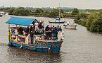 Aan boord van de 'Waterbuffel' tijdens het skûtsjesilen op het Sneekermeer.jpg