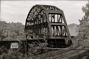 Union Railroad Clairton Bridge - Image: Abandoned railroad bridge, Clairton PA (8899994783)