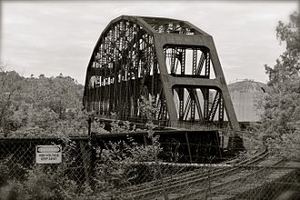 Union Railroad Clairton Bridge - Image: Abandoned railroad bridge, Clairton PA (8899994783)