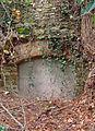 Abbaye Saint-Martin-des-Glandières, niche murée du parc..jpg