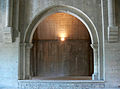 Abbaye de Silvacane - arche collatéral gauche.jpg