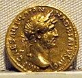 Adriano, aureo, 117-138 ca. 01.JPG