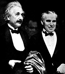 albert einstein einstein left and charlie chaplin at the hollywood premiere of city lights 1931
