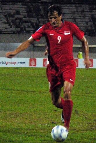 Aleksandar Đurić - Đurić playing for the Singapore national team