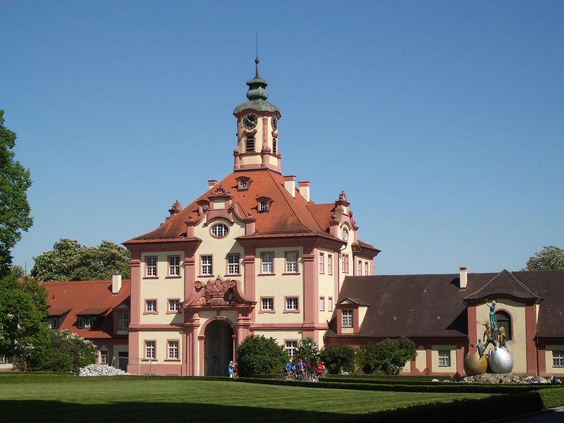 Archivo:Altshausen Schloss Torgebaeude 2005 a.jpg