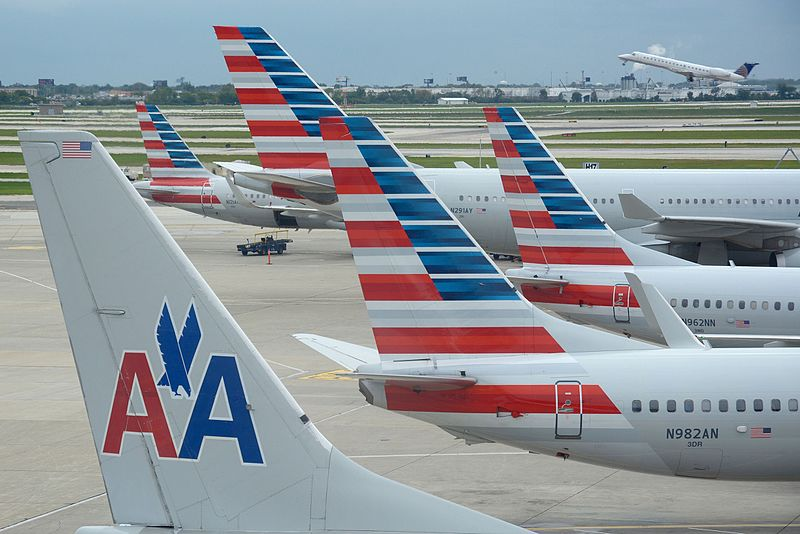 File:American Airlines aircraft at O'Hare.jpg