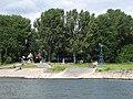 Anlegestelle Fähre nach Zons - Düsseldorfer Seite - panoramio.jpg