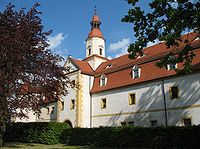 Annaburg Vorderschloss.jpg