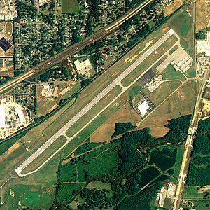 Anniston Regional Airport - NAIP aerial image, 2006