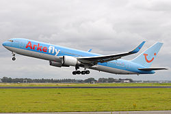 ArkeFly Boeing 767-300 PH-OYJ in AMS.jpg