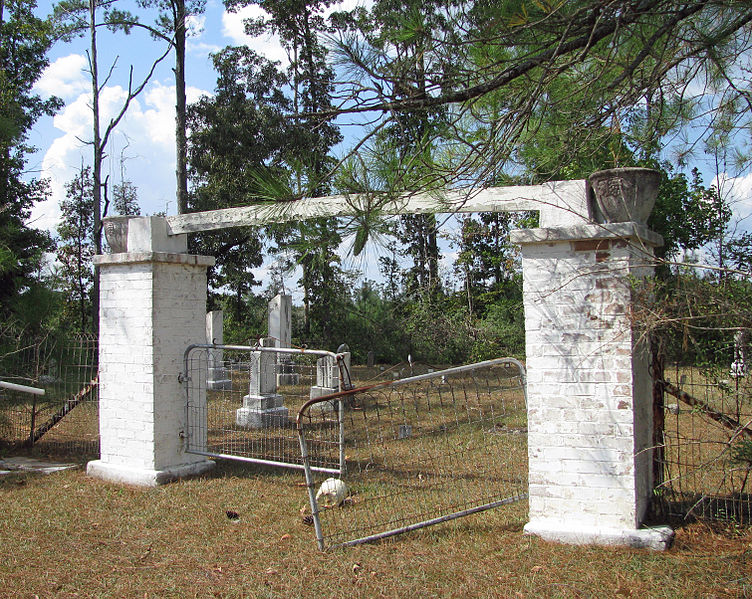 File:Armstrong-Buckley Cemetery (5024257287).jpg