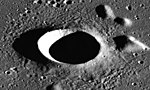 Artsimovich crater AS17-P-3125.jpg