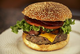 Aussie Burger 6of7 (8736284110).jpg