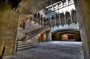 Palau de la Generalitat de Catalunya - Gothic gallery and inner courtyard.
