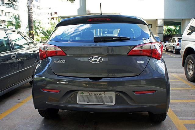 http://upload.wikimedia.org/wikipedia/commons/thumb/e/e2/BSB_03_2013_Hyundai_HB20_Flex_6206_blur.jpg/640px-BSB_03_2013_Hyundai_HB20_Flex_6206_blur.jpg