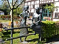 Bad Sassendorf – Bronze-Skulpturen – Austausch von Neuigkeiten - panoramio.jpg
