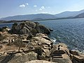 Bafa Gölünde Kaya Mezarları.jpg