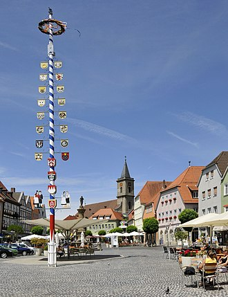 Bad Neustadt an der Saale - Market with Catholic church in the background