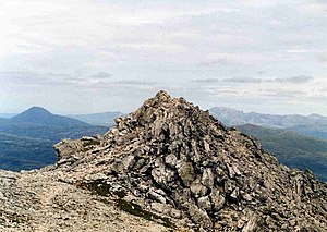 Ben More Assynt - Image: Ben More Assynt Summit rocks