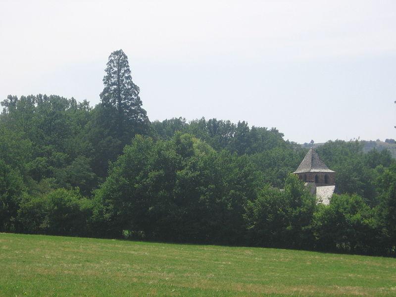 Bessuéjouls,église St.Pierre.jpg