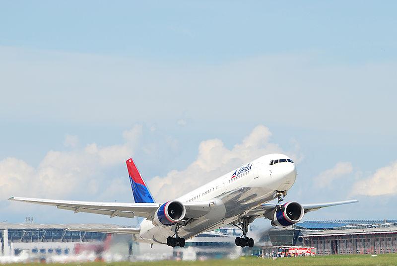 File:Boeing 767 Delta.jpg