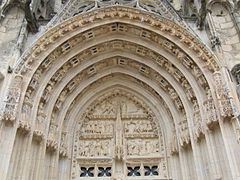 Bourges Cathedral exterior 004.JPG