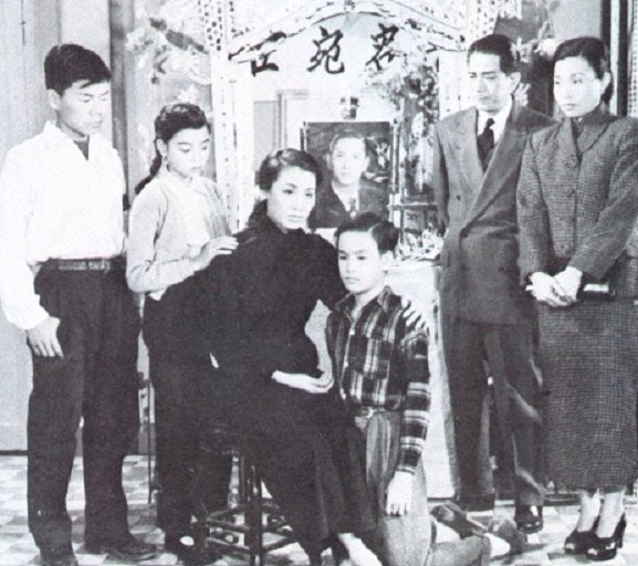 Bruce Lee and his family 1940s