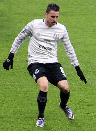 Bryan Oviedo - Oviedo playing for Everton in 2016