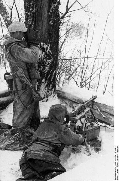 File:Bundesarchiv Bild 101I-691-0244-11, Russland, Winter, MG 42 in Stellung.jpg