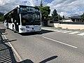 Bus-navette à Embrun près du plan d'eau (juillet 2020).jpg