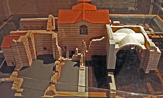 Thermes de Cluny - Model of Thermes de Cluny showing the major elements of the baths. In the center of the picture is the frigidarium; to the left of the frigidarium is the tepidarium; to the fore of the tepidarium is the caldarium.  S. Michel bd forms the left boundary of the picture, S. Germain bd forms the top boundary.  Photo: Wiki user Maryas
