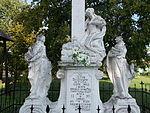 Calvary. Virgin Mary, Mary Magdalene and Saint John the Evangelist. - Szentkúti tér, Jászberény.JPG