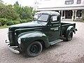 Camionnette INTERNATIONAL 1948, devant la Villa Estevan, aux Jardins de Métis - panoramio.jpg