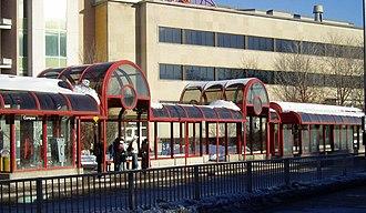 UOttawa station - Image: Campus Transitway Station