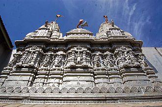 Kothara, Kutch - Image: Carving outside Jain Temple
