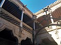 Casa de las Conchas - Patio Interior - panoramio.jpg
