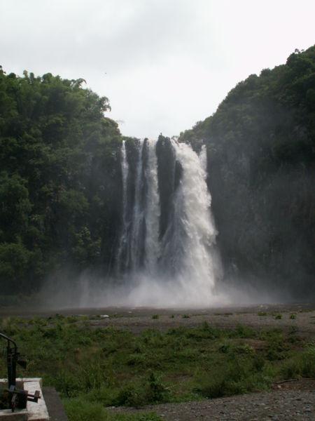 quoi voir à l'île de la Réunion - la cascade Niagara dans la commune de Sainte-Suzanne