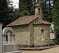Cementiri de Terrassa, panteó en forma de capella romànica.jpg