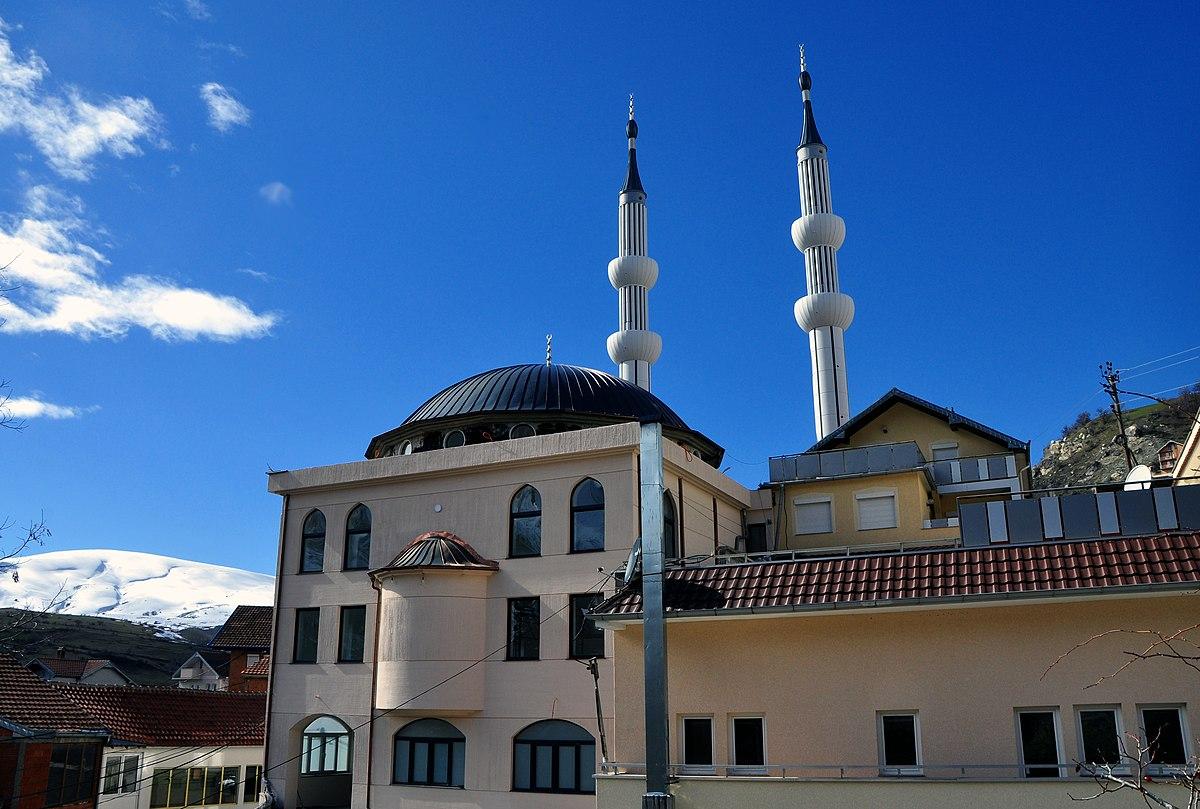 File:Centralna džamija Restelica, Kosovo.jpg - Wikimedia