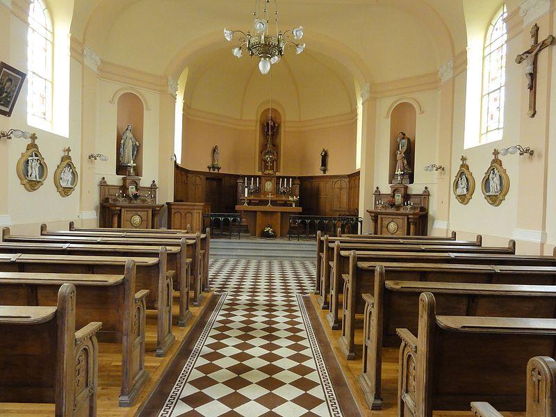 Chazelles-sur-Albe (M-et-M) église, nef