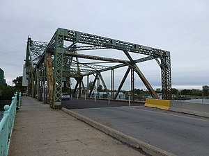 Cherry Street Strauss Trunnion Bascule Bridge - The bridge's south end in 2013