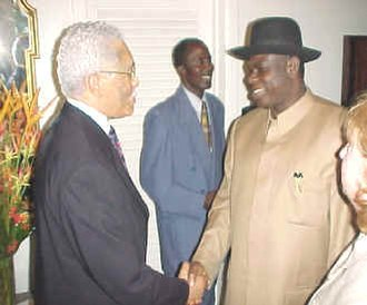 Diepreye Alamieyeseigha - Diepreye Alamieyeseigha (right) with U.S. Ambassador to Nigeria Howard F. Jeter (left), July 6, 2001