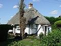 Chocolate Box Cottage - geograph.org.uk - 542225.jpg