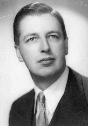 Christopher Tunnard - Image: Christopher Tunnard (1910 in Victoria, British Columbia – 1979)